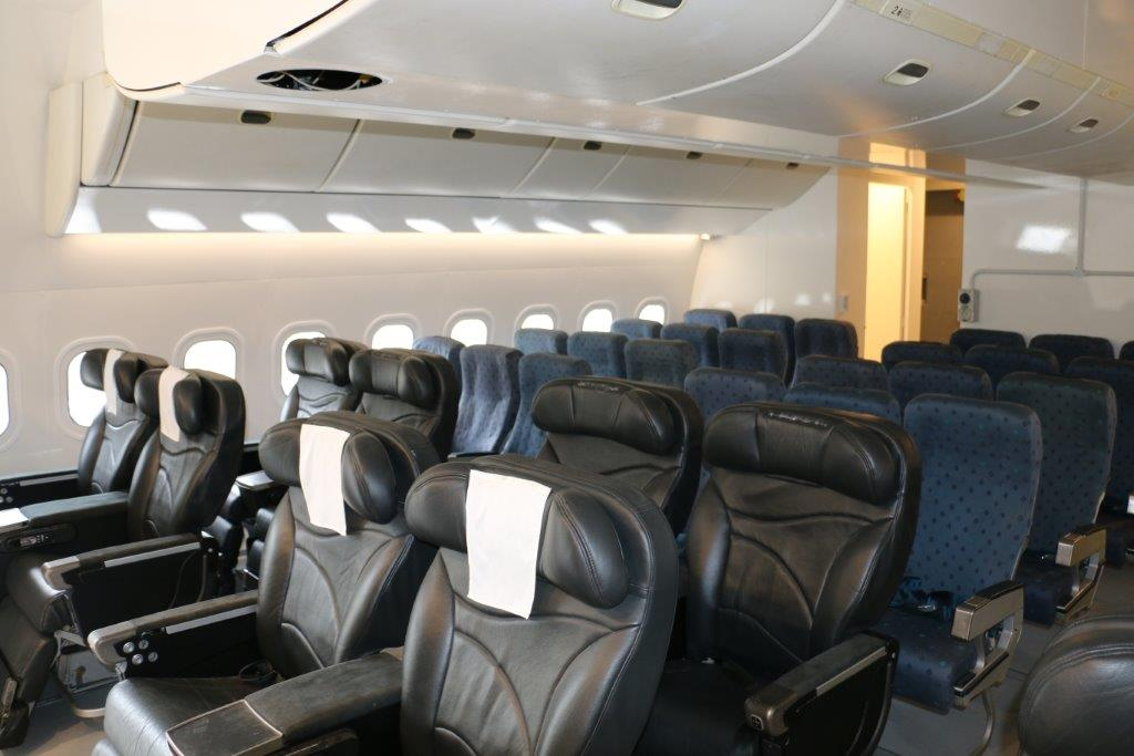imgBoeing 777 Mock Up Cabin Seating