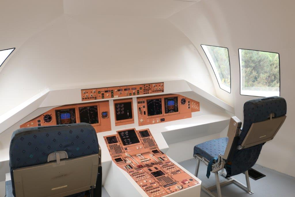 imgBoeing 777 Aircraft Cockpit Mock Up